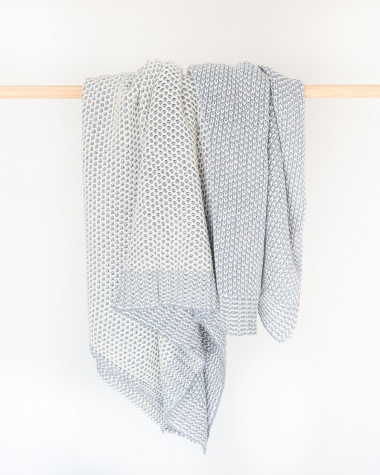 Jolie knitted throw Grey